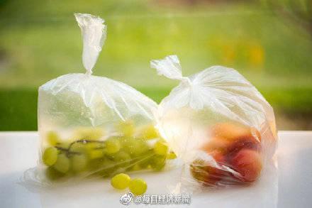 英国塑料袋的使用量在一年内减少了59%。