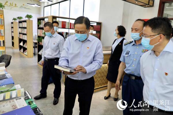 中行黑龙江省分行与93381部队共建图书室首批超2000册名著进军营