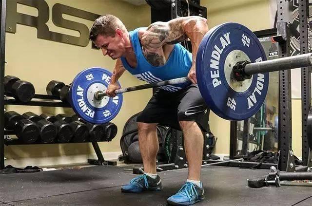 背部超级组动作组合,轻松虐爆背肌!