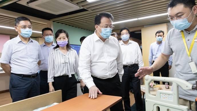 龚正调研上海养老服务,要求充分发挥社会力量和市场机制作用