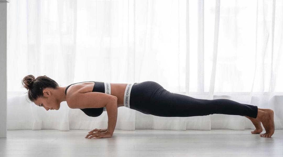 练习「四柱支撑」时身体总是很沉?先从这5个低阶变体开始吧!_核心