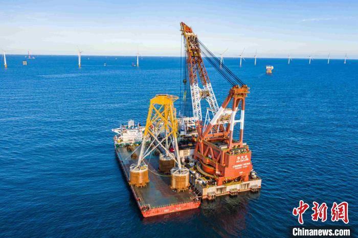 海上第一台吸力导管架风机的基础已经在海上安