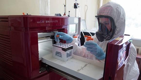 俄罗斯抢先注册首支新冠疫苗,但临床数据欠缺安全性受质疑