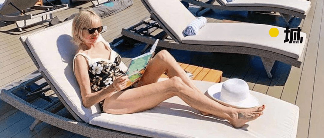 62岁离婚恢复单身的奶奶,68岁穿比基尼、独自环游世界火遍全网!插图