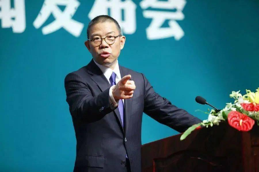 农夫山泉创始人成中国首富 超越马化腾