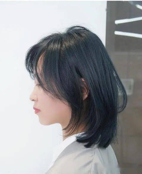 网红美发店剪流行中长发,高级总监出手,效果就是不一样
