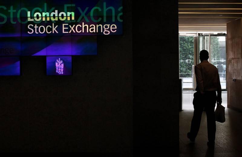 英国股市收低;截至收盘Investing.com英国100下跌0.58%