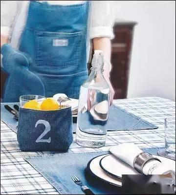 旧牛仔裤被改造成各种家居用品
