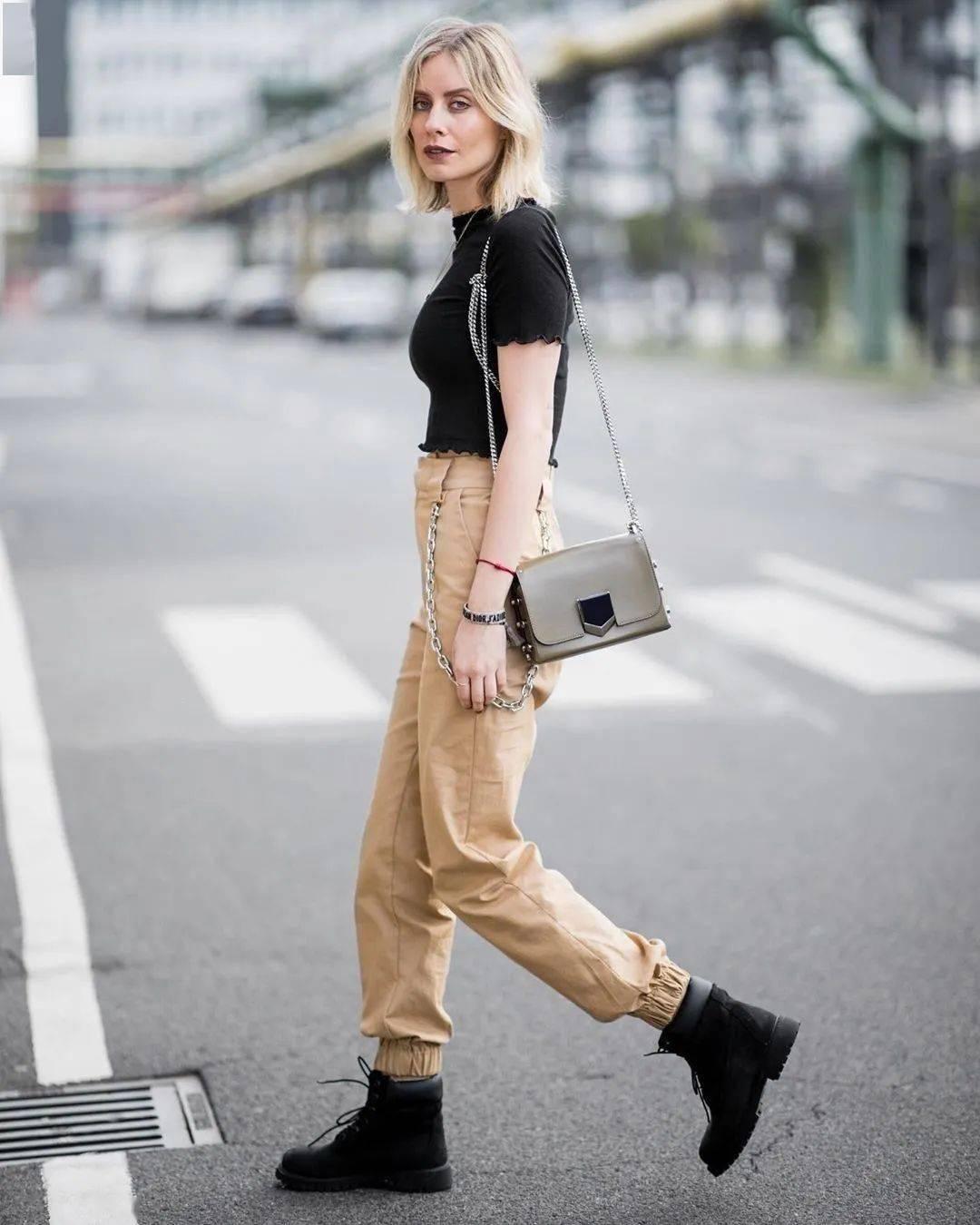 马丁靴+裙子,马丁靴+工装裤……又酷又撩,时髦炸了!     第26张