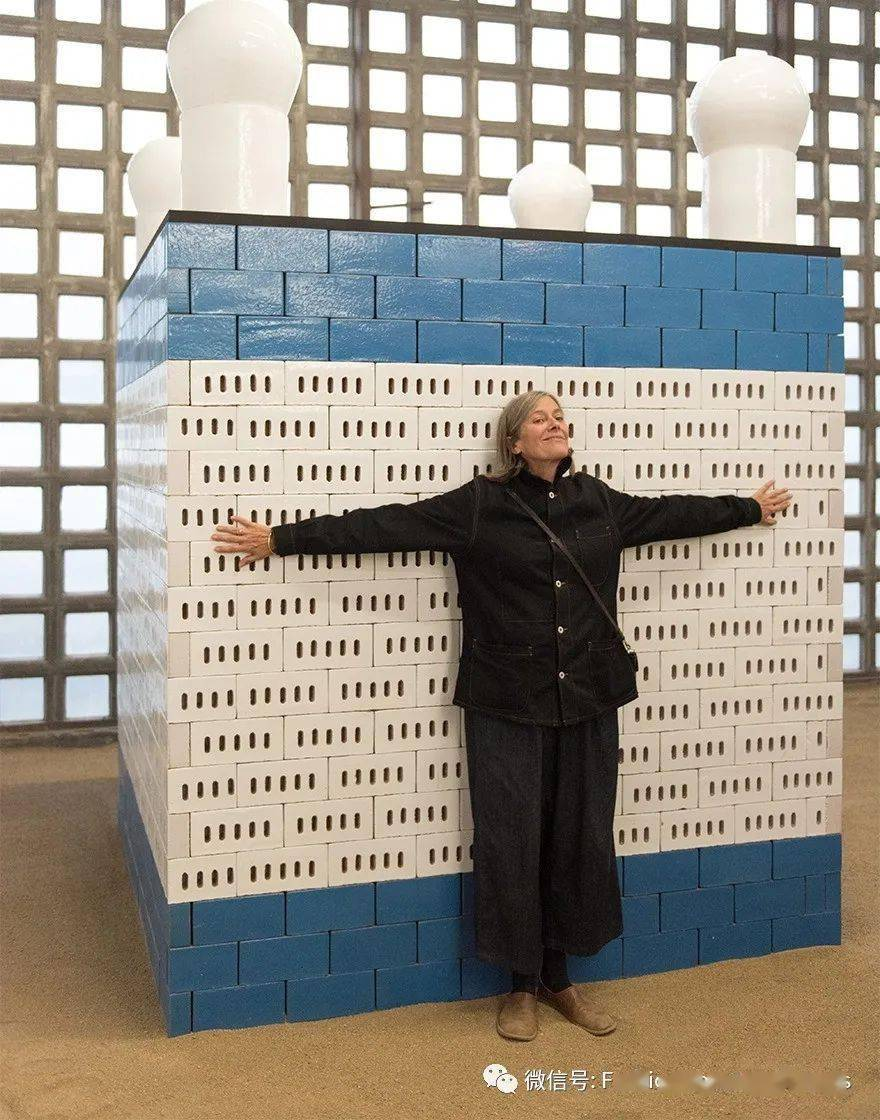 """年过六旬的""""奶奶级""""艺术家,把她毕生的功力都用在瓷砖设计上了!#fashion灵感#"""