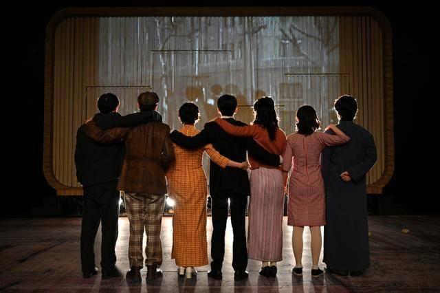 国家大剧院新剧《十字街头》让影史经典重现舞台
