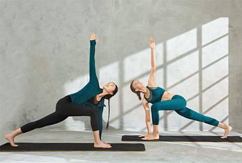 4个瑜伽球动作,在家也能练出马甲线,超适合女生!
