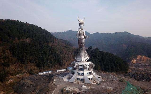 """贵州8600万""""女神像""""投资方:雕塑不挣钱,原本有商业配套"""
