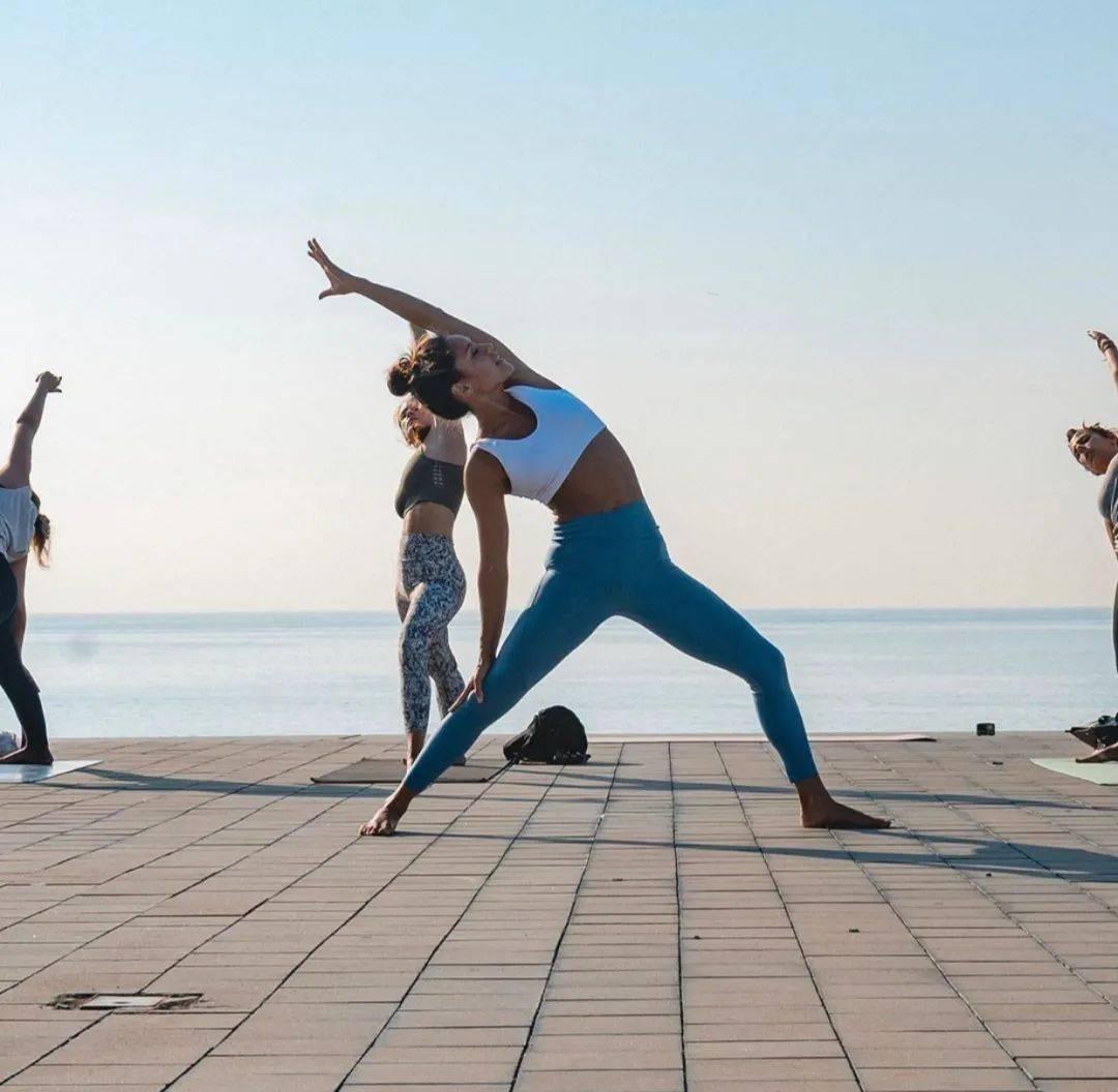 平衡荷尔蒙的一套女性瑜伽序列,科学抗衰老,越练越年轻!