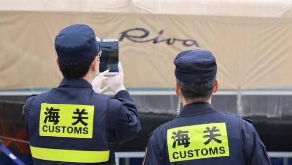 """静待中国买家,世界顶级游艇""""丽娃""""今驶入进博会,产地意大利身价超600万"""