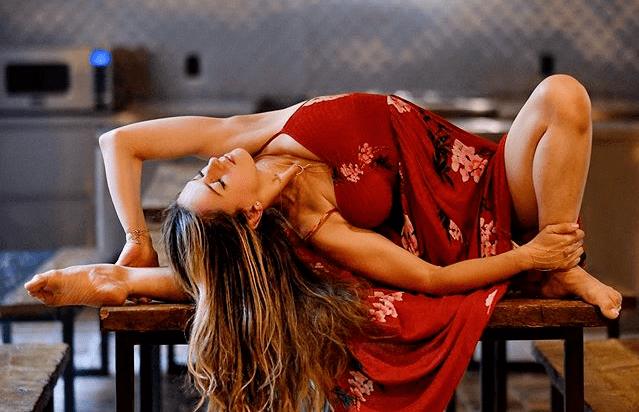 盆底肌不松 ; 女人不老 ; 跪60秒,给生殖器放气,刺激女性荷尔蒙_锻炼