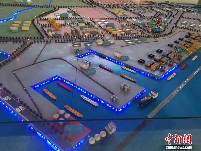 """年项目投资6250亿人民币,北海市铁山港区""""跟踪服务""""服务项"""