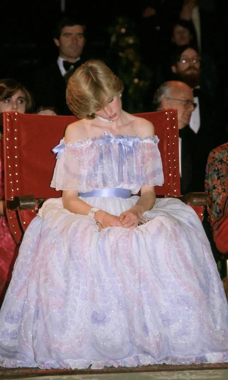 7年无性婚姻后,拥有7个情人,去世23年依然被爱:她是英国最叛逆的王妃_戴安娜