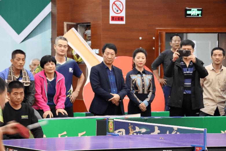 南昌市第三届职工乒乓球冠军邀请赛在我县举行