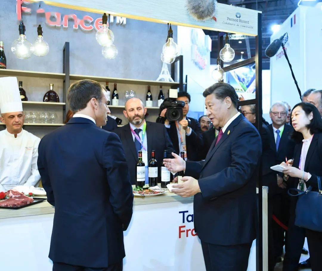 第一报道 | 习主席曾驻足体验的进博会展品,印证中国扩大开放新机遇