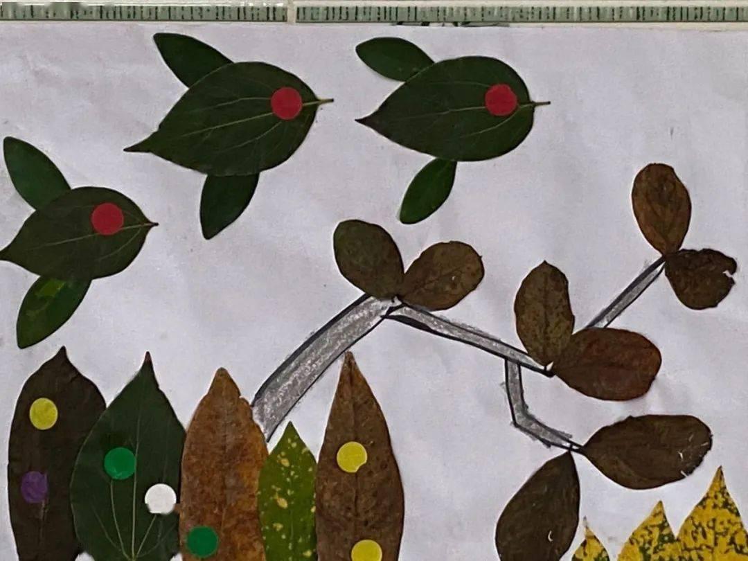 金鱼树叶贴画作品图片