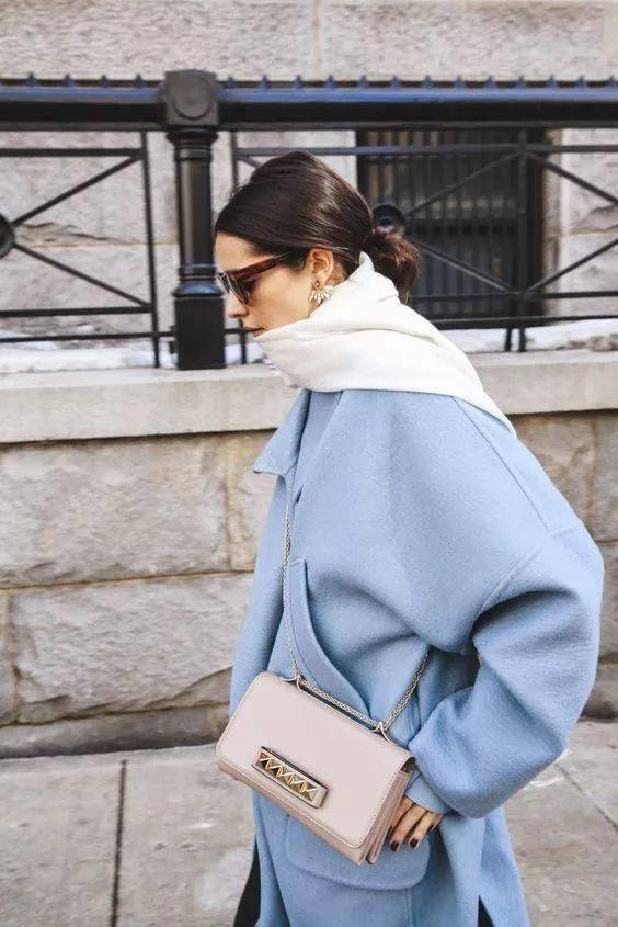 面料占主导的大衣里,优秀的配色