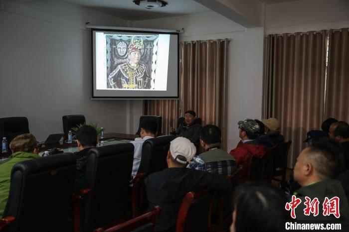 台湾著名摄影师林添福在贵州雷山分享手机拍摄少数民族技巧