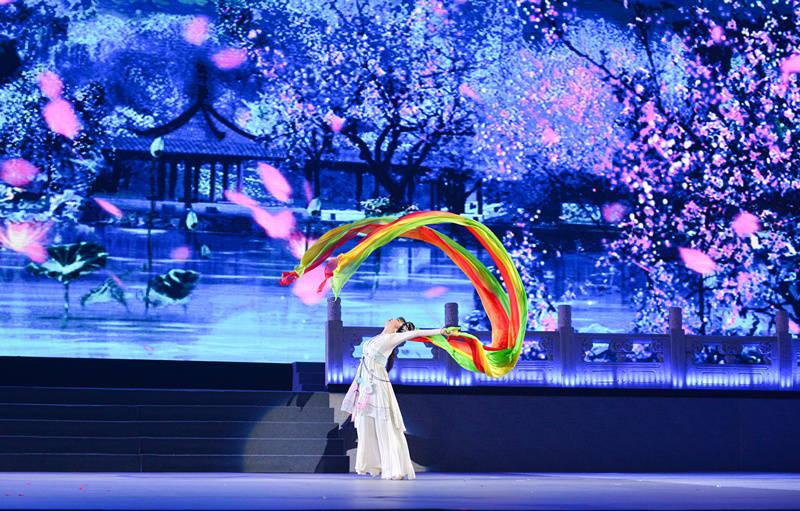 """中国舞蹈界""""不老女神""""陈爱莲病逝!去年仍参演《舞蹈风暴》"""