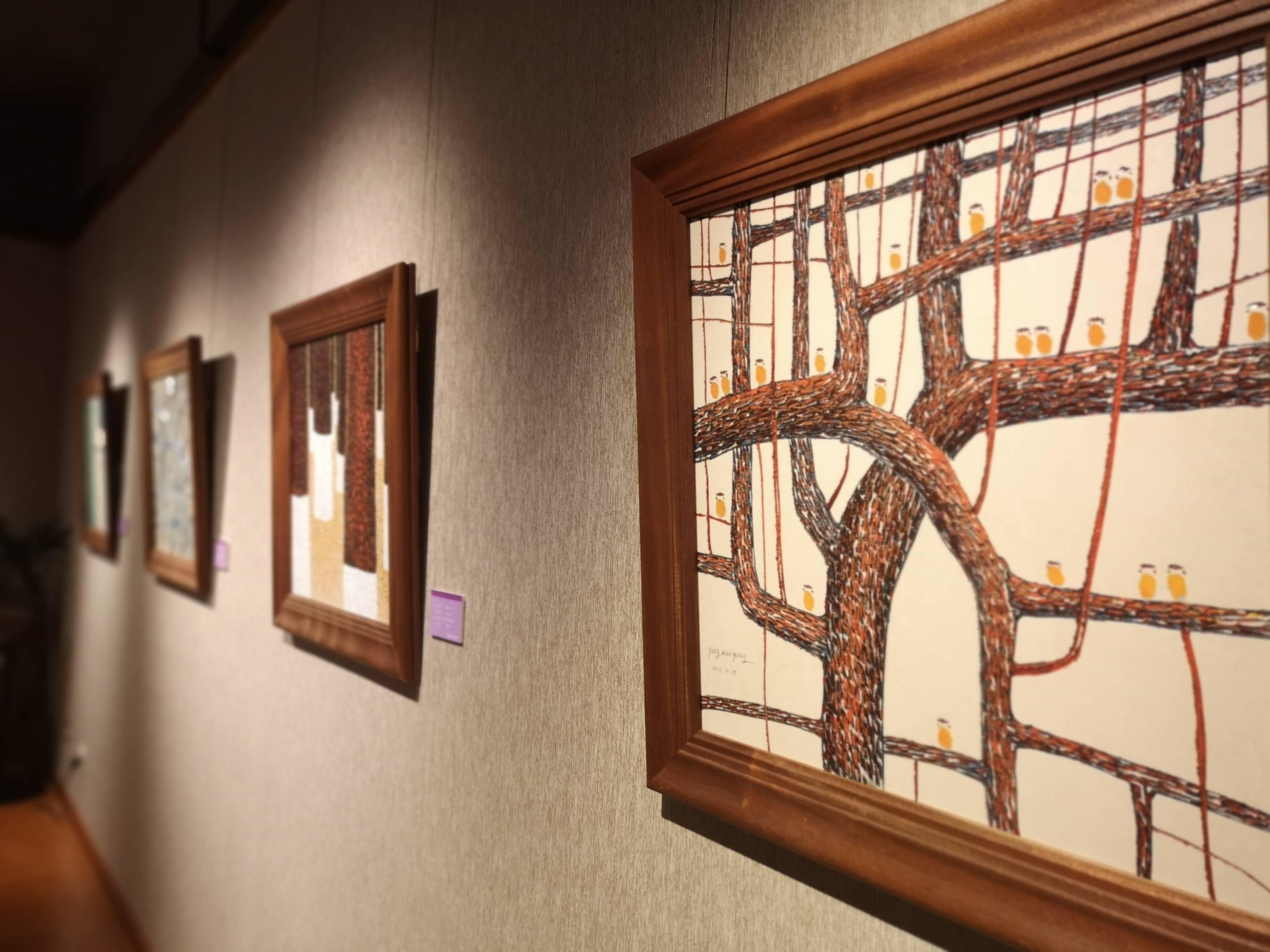 《莞香花开》陶瓷雕刻印象画展在东莞可园开幕