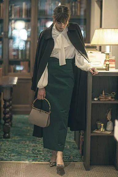 大衣+半裙,才是秋冬的正确打开方式!