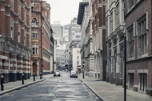 当前英国伦敦新冠疫情最新消息  伦敦上调防疫等级民众连夜出城
