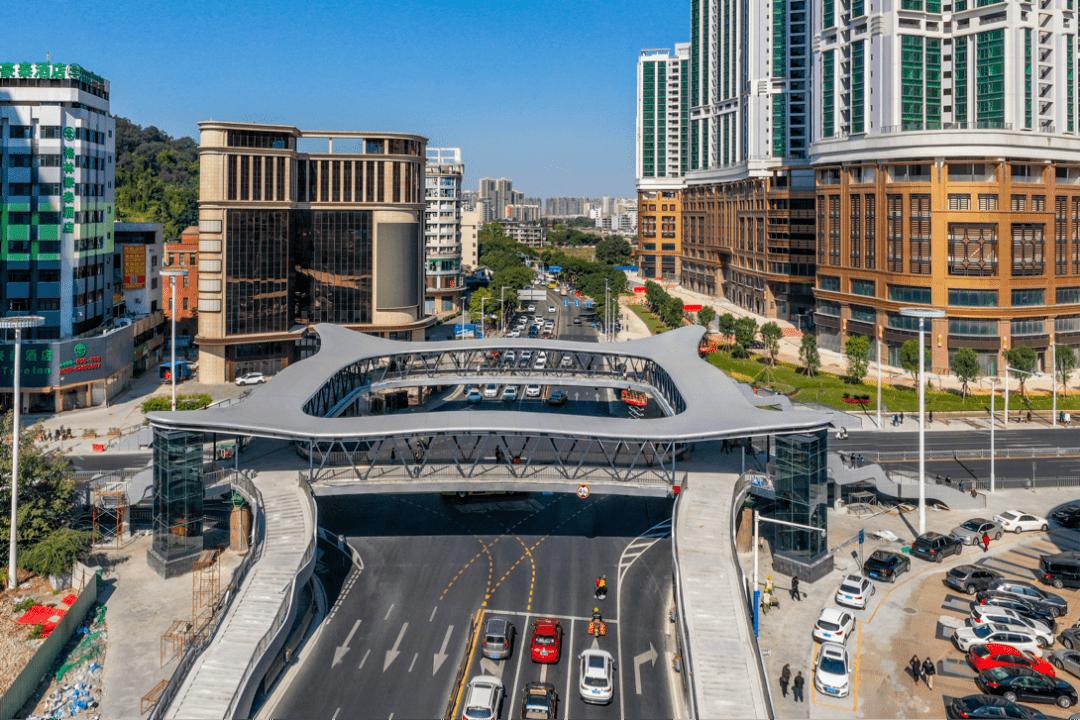 路口拓宽至7车道,天桥升级完毕……这里成为中山城市新景观!