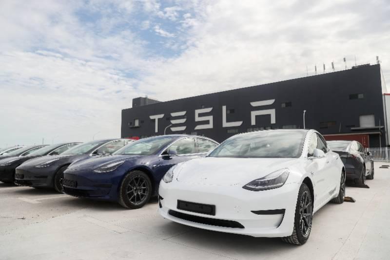 特斯拉再次猛烈抨击价格,对抢购的汽车感到失望aj0