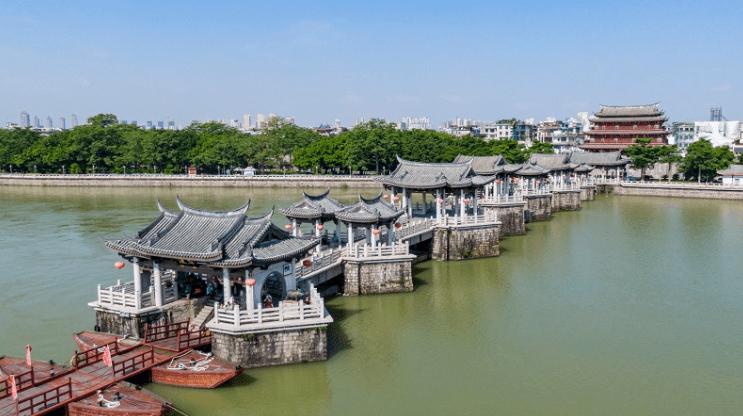 元旦三天假期中,广东接待游客1169万人次,旅游总收入67.5亿元uj8
