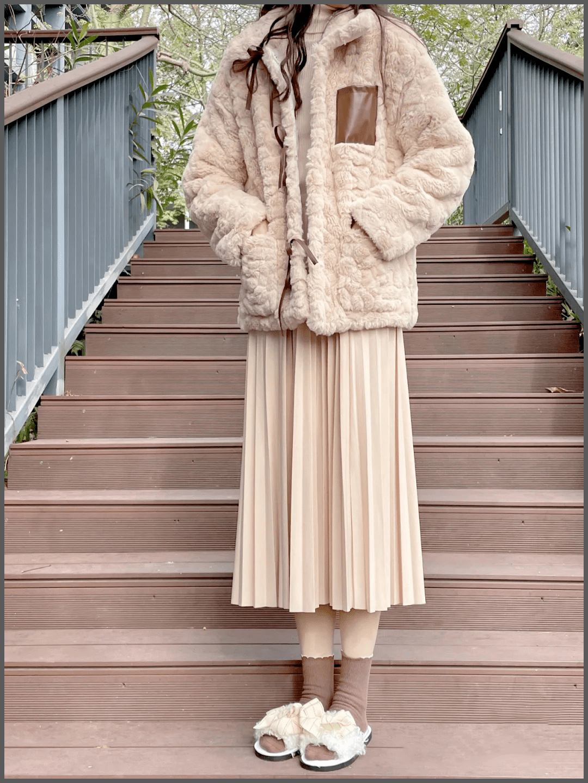 大衣+裙子,羊羔毛+裙子,冬天这么穿美得无可救药!