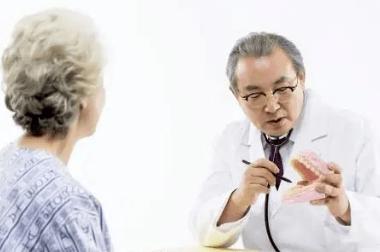50岁大姐脑梗离世,医生告诫:厨房一种调味品是元凶,建议少食用