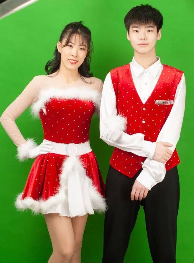 《与冰共舞》背景最强大的舞者竟然是他们!