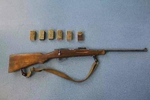 驻马店丨两家人发生纠纷,一方竟手持猎枪,其中三人中枪不幸身亡!