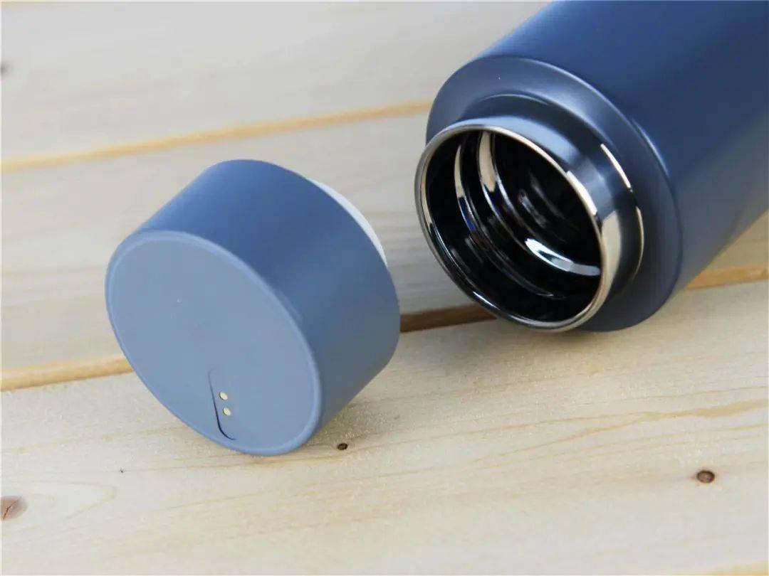 """中国航天公司造了个""""充电宝""""!竟然用一杯热水就能发电?"""