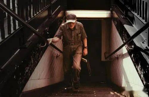 同样是走路,有的人越走越长寿,有的人却走出一身病!原因在这
