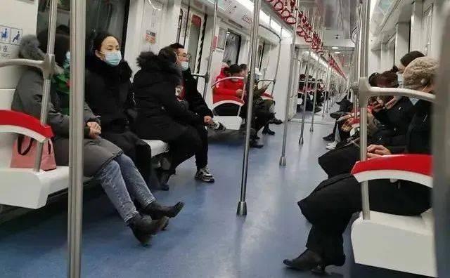 扩散!山西多地紧急通告,这些人一律隔离!太原地铁必须全程戴口罩!太铁56名火车司机驰援石家庄  第6张