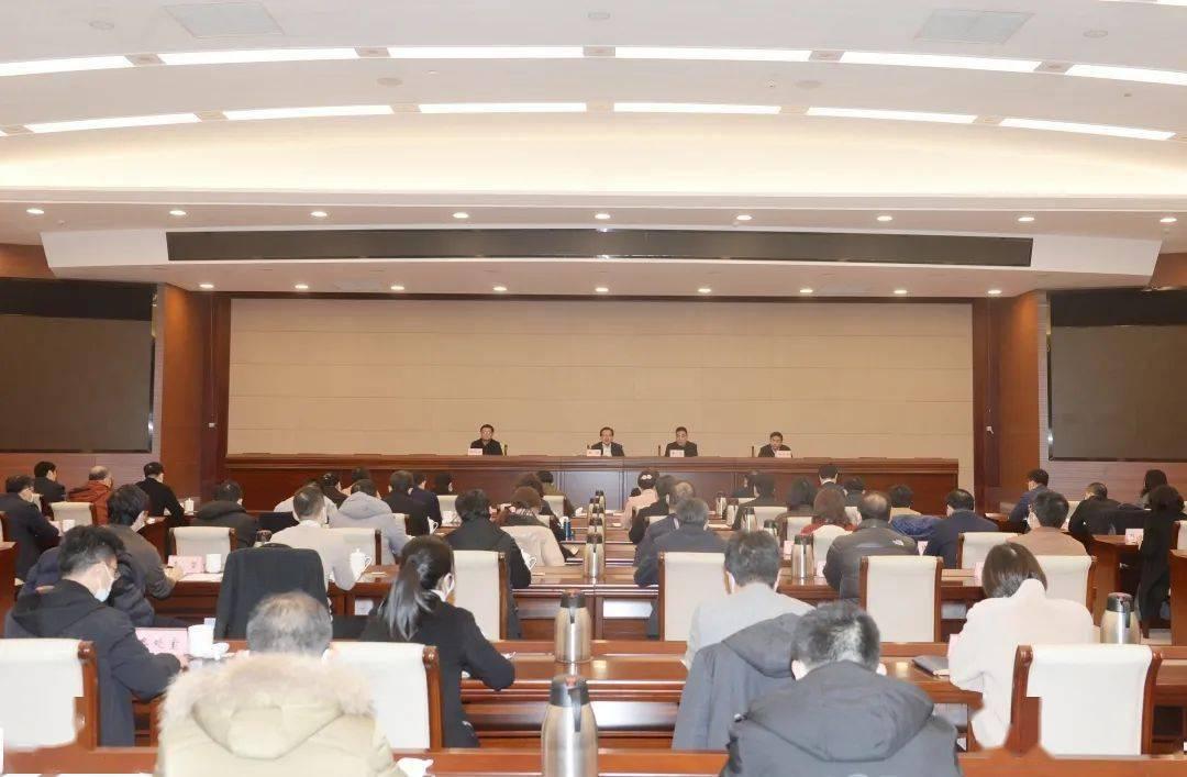 市委宣传部召开干部会议
