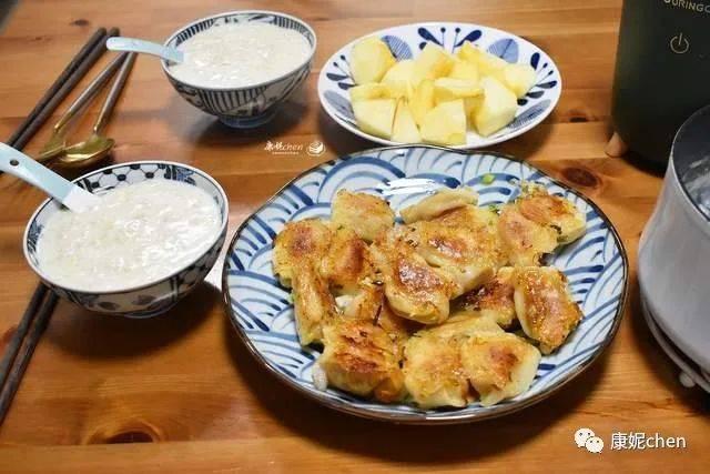 阿托快餐厅的原夫妇早餐味道鲜美,易于制作,营养全面,味道鲜美,而且丰盛而温暖