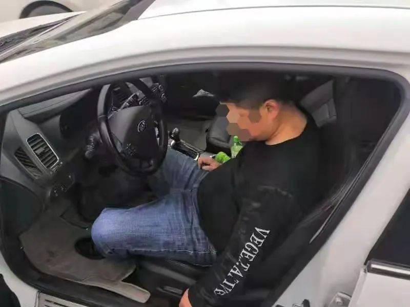 【1017丨身边】等红灯时,驾驶员竟然睡着了?原来……