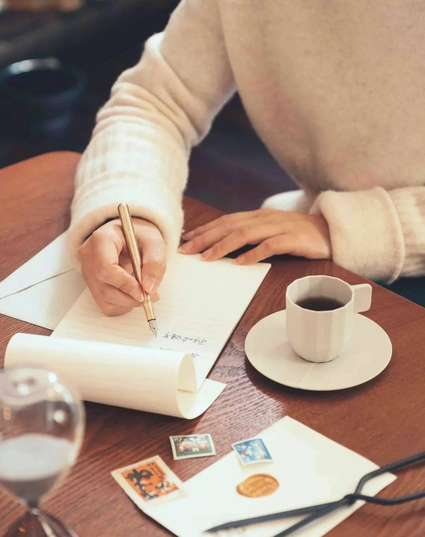 如果过年无法相见,你会不会给谁写一纸信笺?