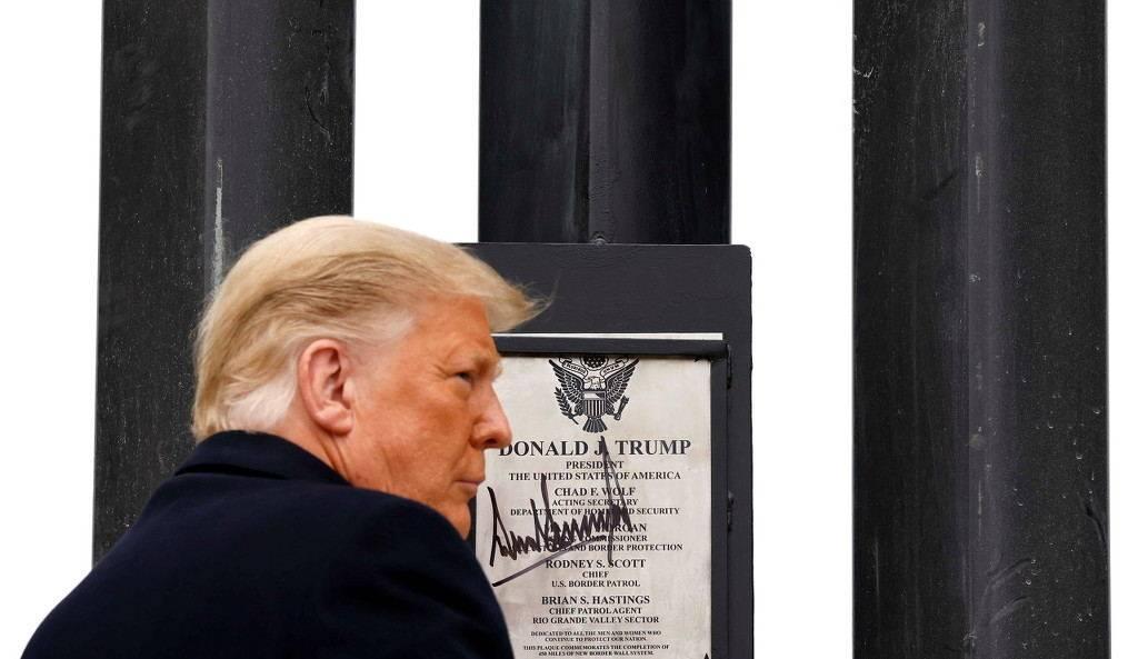 特朗普现身得克萨斯州,最后一次视察美墨边境墙