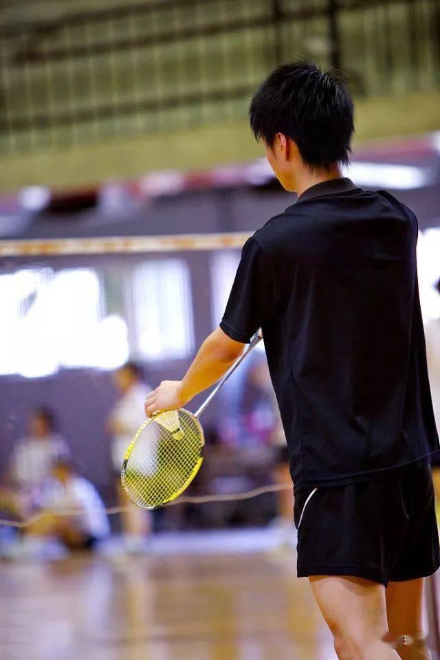 各年龄段打羽毛球的好处在此,您还有什么理由拒绝羽毛球呢?  第4张