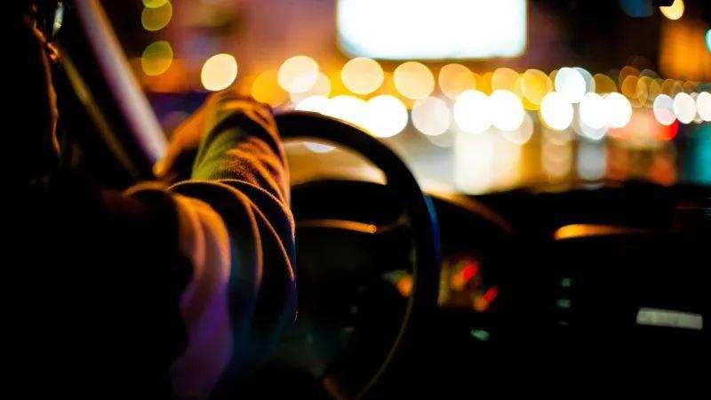 """疫情之下网约车频""""中招"""",到底怎么坐车最安全?"""