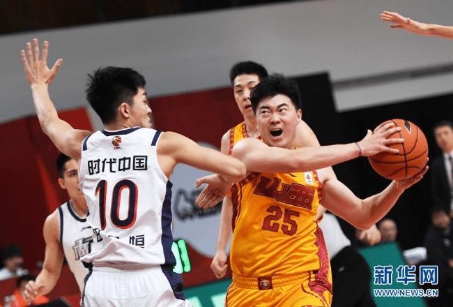 击败山西,广州队获三连胜_摩尔