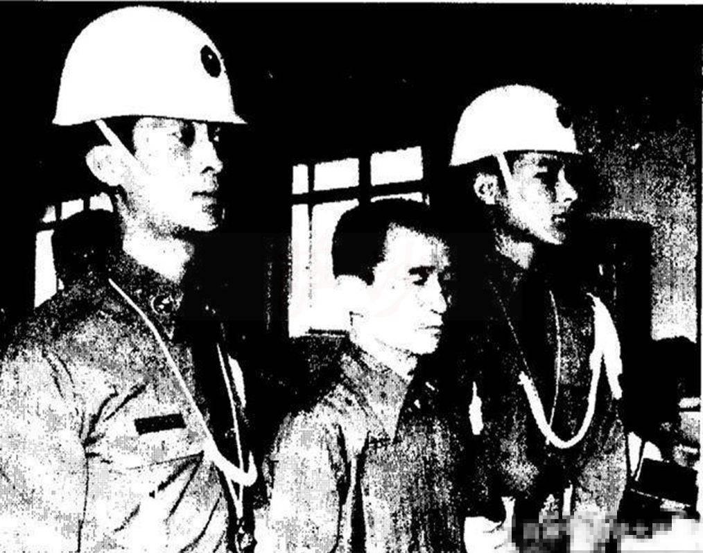 台湾持枪抢银行第1人被捕:1982年5月26日独行劫匪李师科被枪决